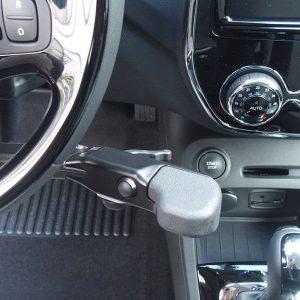 Aide à la conduite PMR : accélérateur par gâchette et frein de service à main
