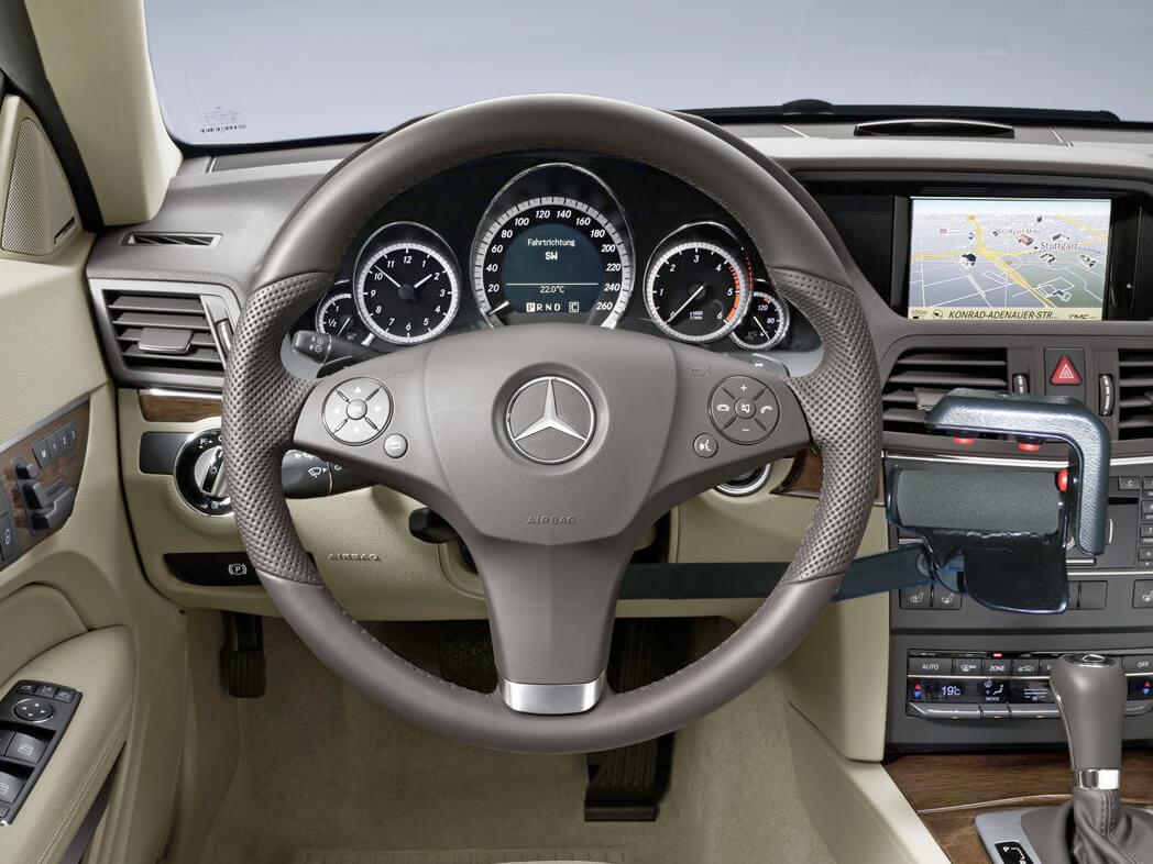 Aide à la conduite PMR : combinés accélérateurs et frein sous volant