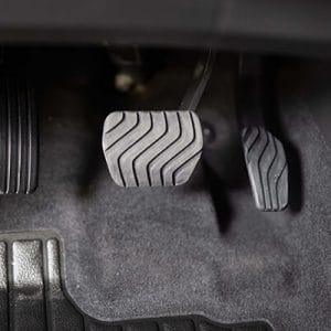 Aide à la conduite PMR : inversion pédales mécanique et électronique